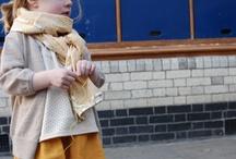 What to wear: kids / En fotos de niños solitos o de hermanos se puede jugar más con el color y distintas texturas. Es muy importante elegir prendas de materiales nobles que fotografían bien; algodón, lino, alpaca, lana. Evitar las fibras sintéticas.  Recuerda que un buen vestuario hace toda la diferencia!!!