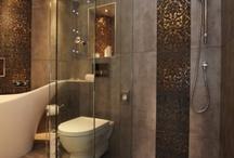 bathrooms / by Nicole Frisbee