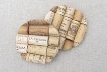 wine bottles and corks reused / different ideas for wine bottles and corks to recycle them.