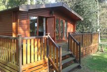 Woodland Premier 33 Fritton Lake Retreats / Luxury 4 berth (2 Bed) Timber lodge in the woodland. A short walk from our lovely lake.