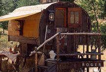 Campers & Caravans / by Dominique