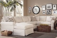 Lavish Living Rooms / Elegant living rooms you won't want to leave. Inviting and interesting!