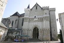 Saint Martin... en Touraine / Saint Martin (316-397), surnommé l'apôtre des campagnes, fut le troisième évêque de Tours. On fêtera les 1700 ans de sa naissance en 2016...