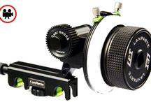 LanParte AB Stop Follow Focus / LanParte AB Stop Follow Focus•AB Stop özelliği ile kendi netlik aralığınızı belirlemenizi sağlar•Belirlediğiniz aralık içerisinde çalışarak focus kullanımını kolaylaştırır• AB Stop fonksiyonu ile sağlıklı mezopanlar (netlik kaydırması) yapmanızı sağlar• Pratik mount sistemi ile rod çubuklarına üstten bağlanır• 15mm ve 19mm rod standartlarına uygundur. Rezervasyon & Bilgi için: 0533 548 70 01 info@filmekipmanlari.com http://filmekipmanlari.com/kiralik-follow-focus-2/