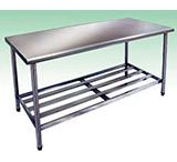 MESA DE AÇO INOX PREÇO / Produtos fabricados com aço inox têm sido muito requisitados, pois possui muitas características vantajosas quando comparado a outros materiais. O aço inox é composto por vários elementos, entre eles o ferro e o cromo, esses elementos criam uma camada na superfície do aço inox e o tornam mais resistente a oxidação e a corrosão. Além de ser mais resistente, o aço inox também é mais higiênico já que evita a proliferação de bactérias.