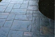 betonnenvloeren oprit of tuinpatio