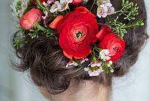 Brautfrisuren - Ideen für Dein Brautstyling zur Hochzeit / Brautfrisuren, ein ganz großes Thema! Wie soll man sich da entscheiden, welche Frisur passt zu mir und zu meinem Brautkleid? Hier haben wir einige Ideen für Euch zusammen getragen.