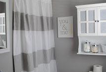 Bathroom Inspiration / DIY, home decor, and blog tips for bathroom makeovers everywhere.