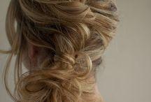 Hairstyles / by Erika Havenga