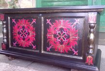Traditional hand-painted wooden 'tulip' trunks / My dearest friend passionates creating hand-painted wooden trunks with 'tulip' motives. Tulip is a basic symbol of the traditional Hungarian folk art.