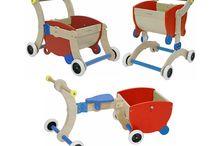 Mishidesign / Značka Mishidesign byla založena za účelem poskytnout rodičům hračky, které dítě může používat po více let, a zároveň by rostly s dítětem. Tyto inovativní dřevěné hračky se přizpůsobují tvarem, formou a funkcí v různých fázích vývoje. Nabízí zábavu na delší dobu. Všechny dřevěné hračky lze využít pro vnitřní i venkovní použití.