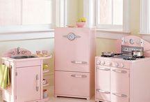 kitchen appliances / by Paula Kennedy