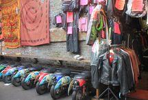 Avrupa'nın En İyi 10 Bit Pazarı / Bir kentin ruhunun yansıması gibidir bit pazarları; rengarenk, kalabalık, kaotik...  Avrupa'nın en güzel yerlerinde kurulan görülmeye değer bit pazarlarını MNG Turizm'le keşfedin.