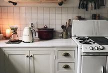 Mensole e luci cucina