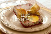Vintage / Los productos más femeninos de estilo vintage, entre los que encontrarás flores liberty, cuadro vichy y diseños inspirados en el art decó y la época victorianas.
