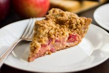 Desserts / Apple and cranberry crumble