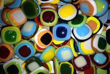 nabarvené kamínky - veselé