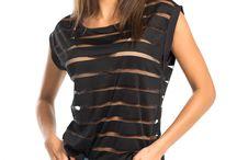 T-Shirt & Sweatshirt / Rahat ve şık görünmek isteyen hanımlar, birbirinden güzel t-shirt ve sweatshirtler ile stilimon tarzını yansıtıyor ve dikkatleri üzerlerinde topluyorlar. Bahar ve yaz mevsimin vazgeçilmezi olan t-shirtler ve sweatshirtler şık, çarpıcı, modern ve kullanışlı modelleri ile stilimon'da! Baskılı ya da düz, stilimon'da bulabileceğiniz hemen her renkten t-shirt'ler sayesinde dantelli modeller ile yaratılan kombinler içinde farklı ve etkileyici olmamak imkânsız.