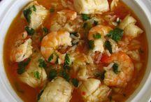 Receitas de Peixe | Food From Portugal / Portugal é um país rico em peixe e as receitas apresentadas aqui são um excelente exemplo das saborosas receitas feitas em Portugal.