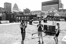 terrasse Ricard / Offrant une vue exceptionnelle en 360 degrés sur Montréal et le Fleuve St-Laurent, le toit de l'édifice Ricard est disponible pour vos sessions photos et tournages cinématographiques. Si vous désirez bénéficier de ce point de vue imprenable sur Montréal dans le cadre de vos projets, n'hésitez pas à communiquer avec nous! http://www.aspaces.ca/espace/terrasse-edifice-ricard/