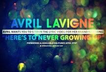 """Avril Lavigne / Espero que curtam Avril como eu curto! Esse painel foi dedicado especialmente à """"ela"""".  Sejam bem vindos :)"""