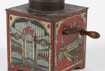 Antik zenélő dobozok