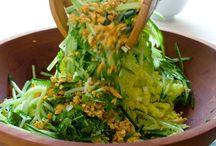 Salads / by Nikki Krattiger
