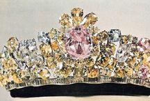 Crowns|Tiaras / by Sylvie Banville
