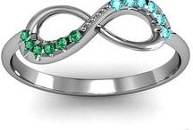 Jewelry I love!  / by Liz Reichle