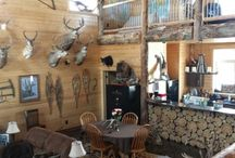 Nelsons Hunting Man Cave / by Lana Closs-Reddekopp