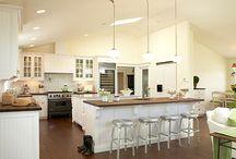 Kitchens & Closets / Cool kitchen & closet designs to meet your needs
