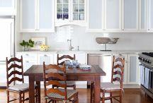 Cottage Kitchens / Quaint and cozy inspiration