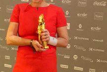 Femmes en Or #FEO2015 / Delphine Remy-Boutang a été élue Femme en Or digitale de l'année 2015. Pour la première fois depuis sa création en 1983, le prix de la Femme en Or de l'année récompense le digital au même titre que le cinéma, la musique, l'environnement ou encore le journalisme. Au nom de toutes les femmes digitales, merci Orange France et Havas.  #feo2015