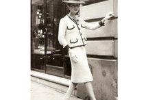 #NoSinMyFaldas / Faldas que han pasado a la historia. Mujeres que han revolucionado la moda con su estilo y por llevar una falda en algún momento relevante para la historia - Todas ellas con la prenda femenina por excelencia, la falda. Hazte con la tuya www.myfaldas.com