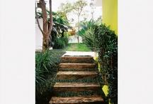 Escadas e caminhos