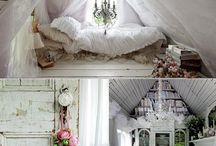 Interiors / by Hayley Golding