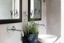 Use of plants in the bathroom / How to use greenery in the bathroom. Touches of colour, dramatic effects, additional texture.