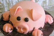 Pig birthday cake / Cakes