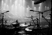 Drums, drumsets & drummer! / World of drumming! I like to bang!