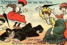 affiches suffragettes/suffragists / L'enjeu était de taille puisqu'il s'agissait de laisser les femmes participer à la vie publique. Intolérable pour beaucoup. La riposte passe par la ridiculisation des suffragettes et leur diabolisation. Un seul objectif pour ces images dissuader les femmes de vouloir leur ressembler.