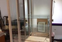 GLASS FRONTED , MIRROR BACKED DISPLAY CABINET