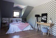 Idea for minimalist white and black bedroom / Photography & Styling : Dominik Kłos Producer: Joanna Wardyńska Beszczyńska Production: Toto Design Project: Marta Wanat Projektowanie Wnętrz