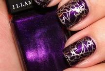 Nails & Polish / by Liz Metzger