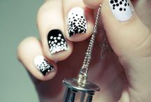 Nails / Polka dots