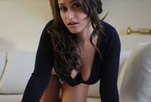 Kolkata Love / My Self Deepa Kaur  I am a  22 year old beautiful girl and now i am talking about love of new generation kolkata love . http://bit.ly/missdeepakaur