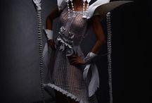 Les robes du papier / Beaucoup de créativité plus beaucoup de papier et aussi les mains habiles .... j'adore toutes cettes robes