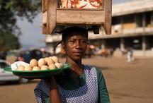 Africa - Ghana / Ghana (Republika Ghany, ang. Republic of Ghana) – państwo w zachodniej Afryce nad Oceanem Atlantyckim. Graniczy z Togo, Burkina Faso i Wybrzeżem Kości Słoniowej. Stolica Accra - Akra. Inne miasta Ghany:  , Navrongo, Asamankese, Sunyani, Cape Coast, Elmina,   Kumasi, Nsawam, Takoradi, Tamale, Tarkwa.