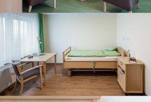 Senioren Einrichtungen - STARKE Objekteinrichtung / Die Bilder zeigen Bewohnerzimmer und Gemeinschaftsräume von Seniorenzentren und Pflegeeinrichtungen, die wir eingerichtet haben.