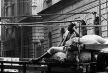 Brasile 1958 / A pochi giorni dall'inizio dei Mondiali in Brasile vi proponiamo alcuni scatti di un bellissimo reportage fotografico che Mario De Biasi realizzò per Epoca nel 1958