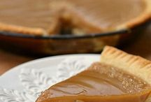 Pies / by Amy Ambroz